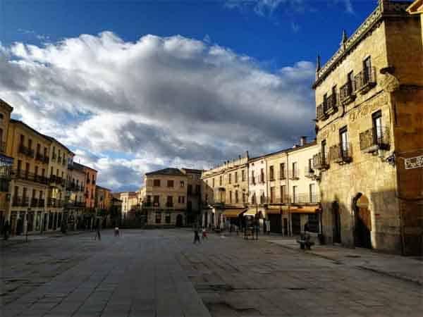 Plaza Mayor Ciudad Rodrigo - Visitar Ciudad Rodrigo - Ilutravel