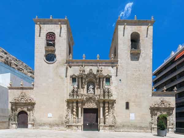 Basílica de Santa María de Alicante - Ver Alicante en un día - Ilutravel.com