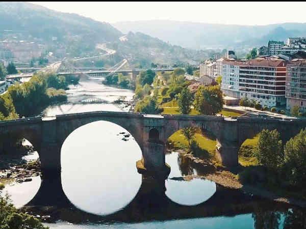 Foto de Ourense capital con vistas al río - Ilutravel
