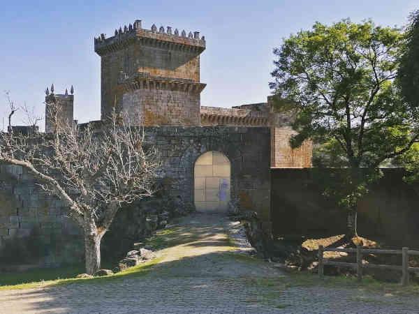 Palas de Rei, vista del Castillo