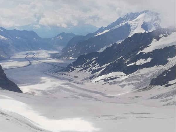 Jungfraujoch vista desde las montañas