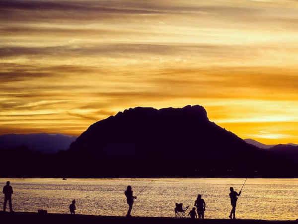 Foto al anochecer de Playa de Les Bovetes