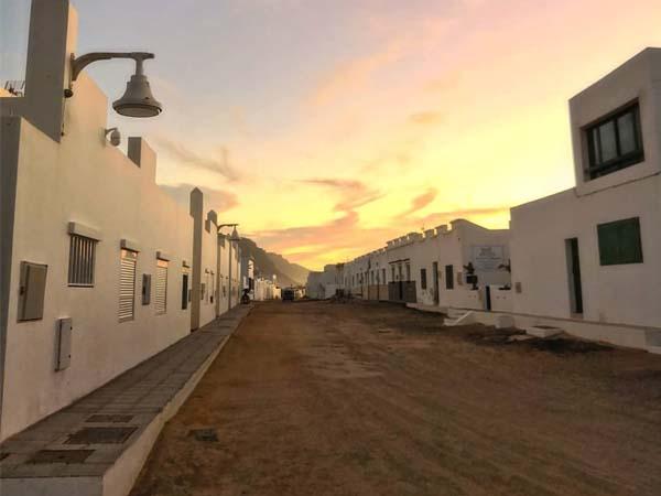 Vista de las Calles de Caleta del SEbo, que ver en La Graciosa de turismo