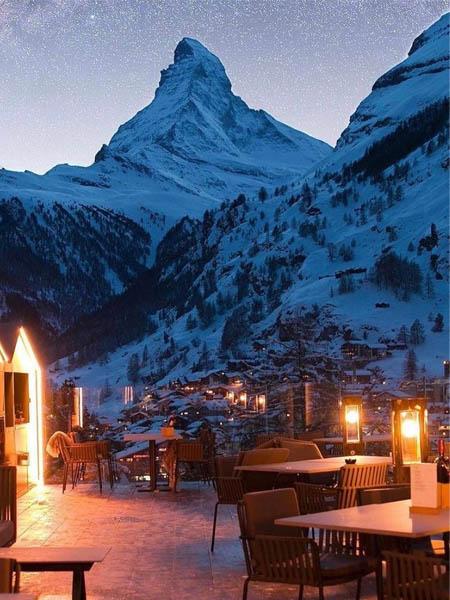 Foto de Zermatt Suiza y vistas al Pico Cervino