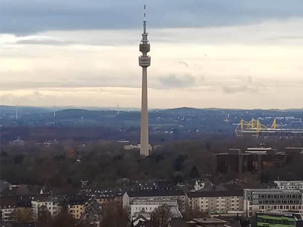 Foto de vista lejana de Forianturm de Dortmund