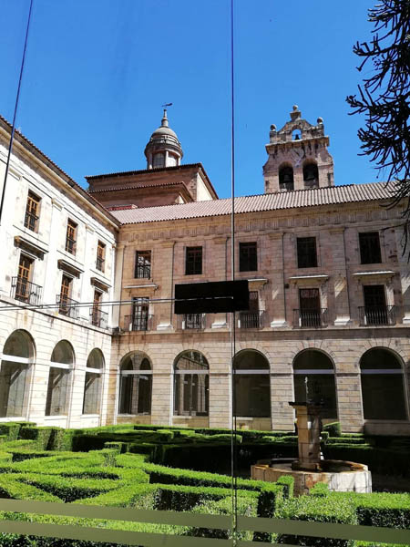 Foto desde el interior del Monasterio de Corias