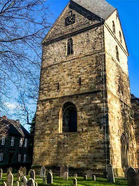 Vista de la Iglesia San PEdro Syburg