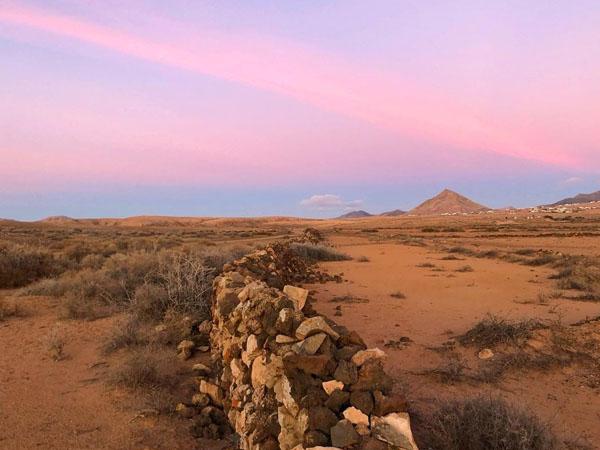 Foto de la montaña de Tindaya en fuerteventura,