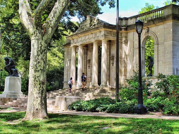Foto exterior del Museo Rodin de Filadelfia