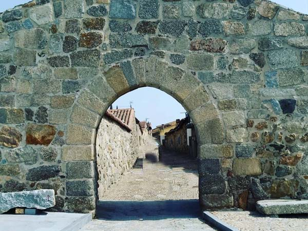 Puerta de Piedrahita Bonilla de la Sierra