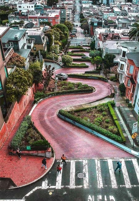 Foto desde la altura de Lombard Street