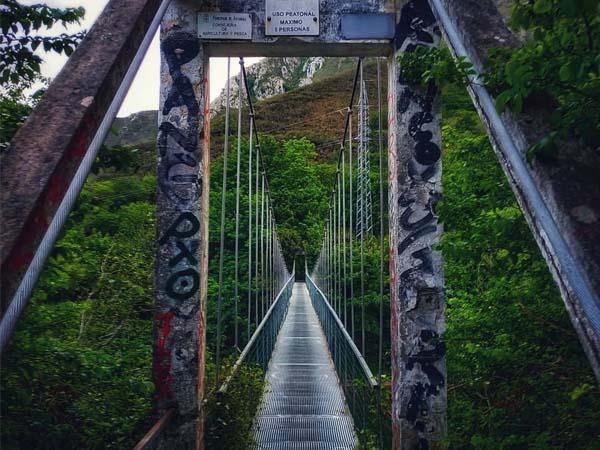Puente sobre el río Sella Ribadesella