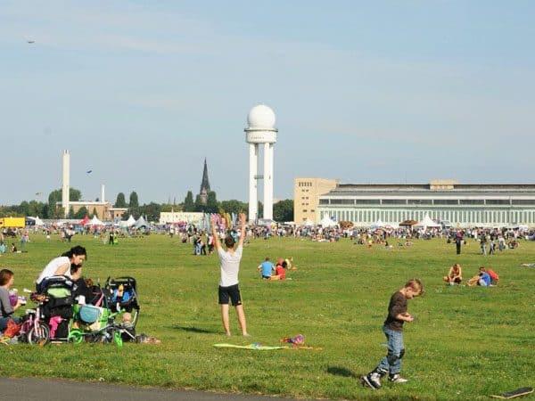 Aeropuerto Tempelhof de Berlin lugar que visitar 4 dias - Turismo por Berlín - Ilutravel.com