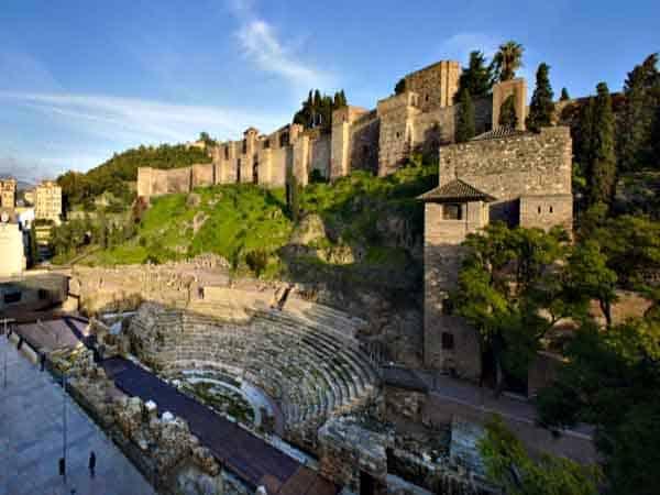 Alcazaba de Málaga - sitios imprescindibles que ver en Málaga - Ilutravel.com