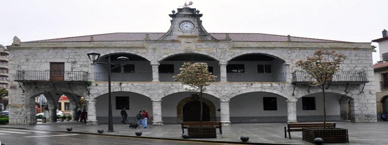 Antiguo Ayuntamiento de Laredo - Ilutravel.com