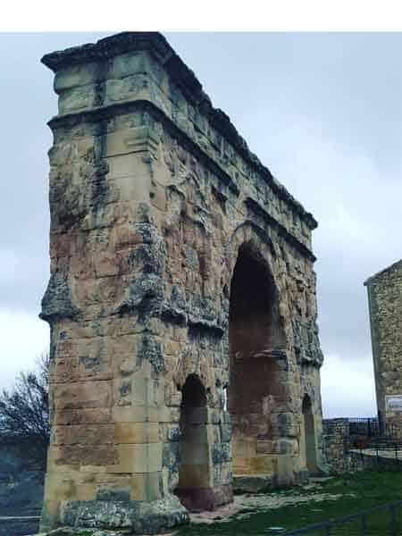 Arco Romano Medinaceli - Sitios turísticos para ver en Medinaceli en un día - Ilutravel.com