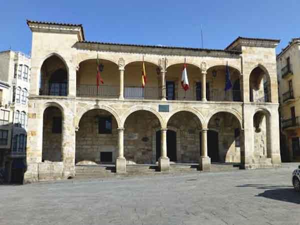 Ayuntamiento Viejo de Zamora - Cosas que ver en Zamora de Viaje - Ilutravel.com