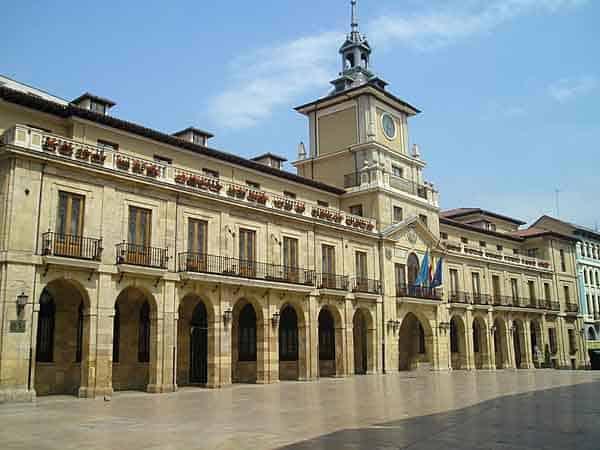 Ayuntamiento de Oviedo - Monumentos para visitar Oviedo en un día - Ilutravel.com