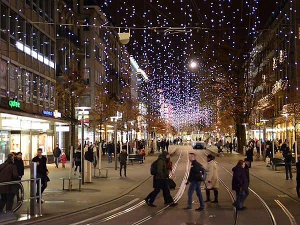 Bahnhofstrasse de Zurich - Que ver en Zurich de viaje - Ilutravel.com
