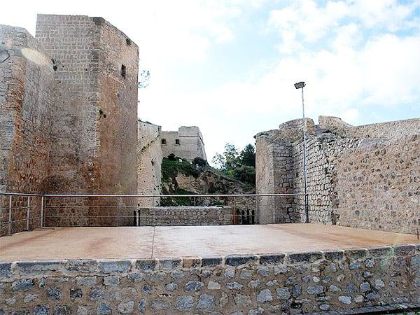 Baluart de Sant Pere Ibiza - Sitios que visitar en Ibiza - Ilutravel.com