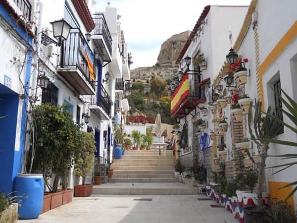 Barrio Santa Cruz Alicante - Lugar que visitar en Alicante - Ilutravel.com