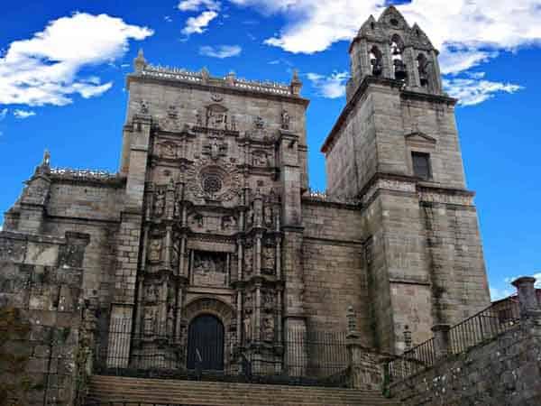 Basílica de Santa María la Mayor de Pontevedra - Ver Pontevedra en un día - Ilutravel.com