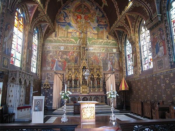 Basilica Santa Sangre Brujas - Donde ir en Brujas de turismo - Ilutravel.com