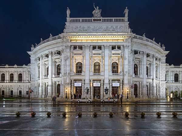 Burgtheater Viena - Ver Viena ruta de 2 días - Ilutravel.com