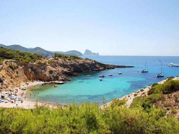 Cala Codolar de Ibiza - Todas las Calas de Ibiza que ver - Ilutravel.com