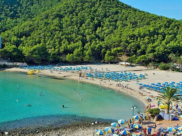 Cala Llonga de Ibiza - Sitios que viistar en Ibiza - Ilutravel.com