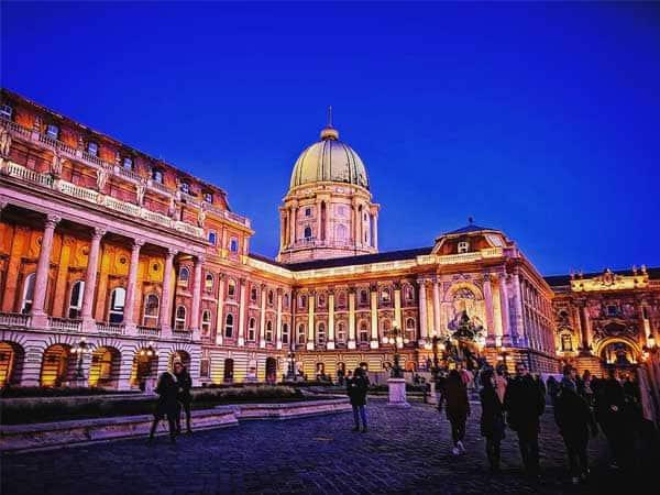 Castillo Buda Budapest - Sitios turísticos para 3 días de Budapest - Ilutravel.com
