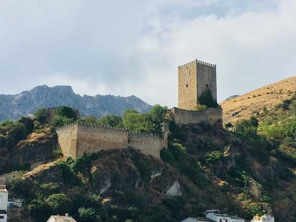 Castillo de la Yedra de Cazorla - Lugares que ver en CAzorla - Ilutravel.com