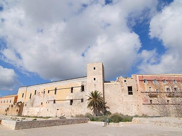 Castillo Dalt Vila Ibiza - Ver Ibiza de Turismo - Ilutravel.com