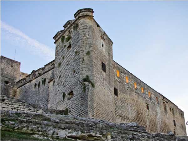 Castillo y Muralla sabiote - Ilutravel.com