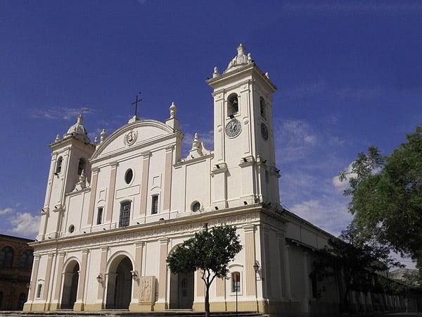 Catedral Asuncion - Ver Asunción sitios de interés de la ciudad - Ilutravel.com