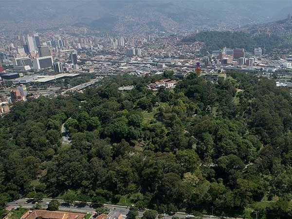 Cerro Nutibara Medellin - Ver Medellín en un día - Ilutravel.com