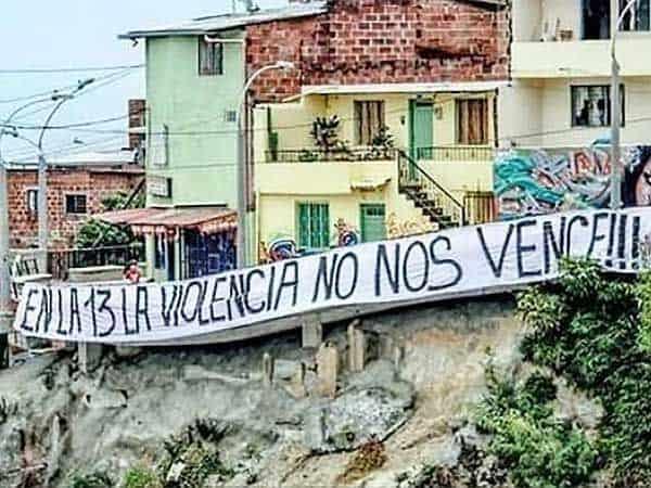 Comuna 13 Graffitour - Visitar Medellín de viaje - Ilutravel.com