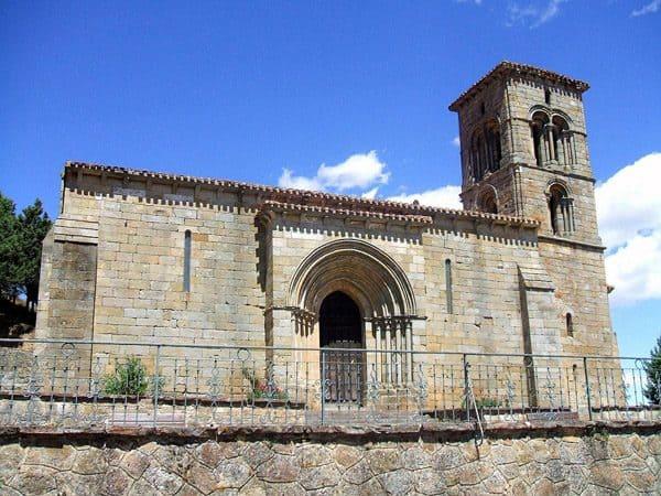 Ermita de Santa Cecilia de Aguilar de Campoo sitio para visitar - Conjunto histórico artístico - Ilutravel.com