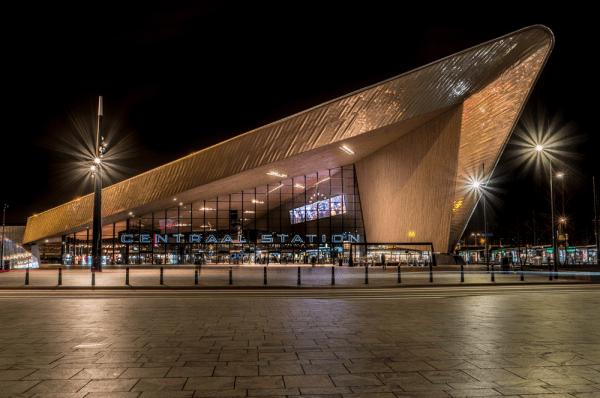 Estación Central de Rotterdam - Que ver en un día en Rotterdam - Ilutravel.com