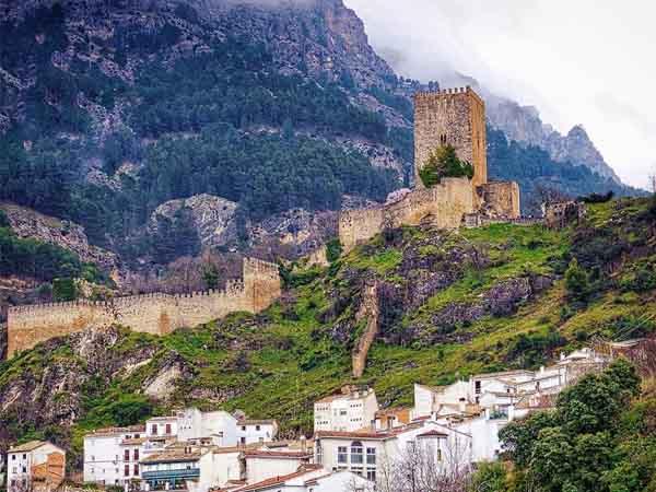 Foto del Castillo de Cazorla, destinos originales para 2 días de viaje - Ilutravel.com