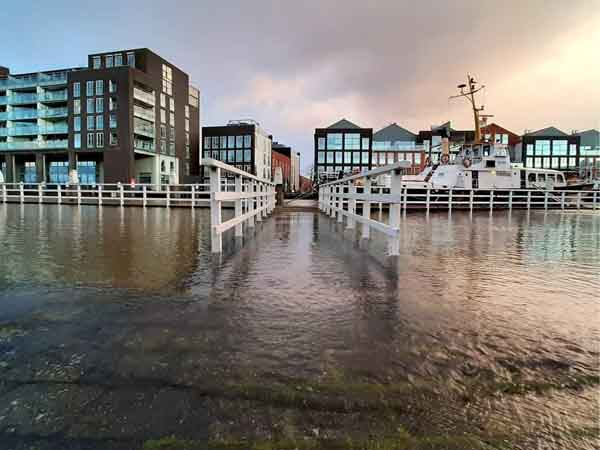 El agua inundando puentes en Dordrecht - Sitios originales para 2 días de viaje - Ilutravel.com