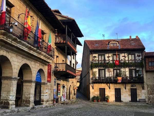 Foto Santillana del Mar - Lugares bonitos para visitar en Cantabria - Ilutravel.com
