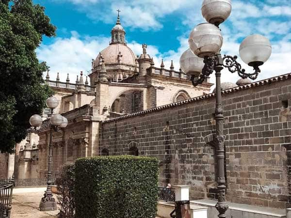 JErez de la Frontera - Sitios para ver en los alrededores de Sanlúcar - Ilutravel.com