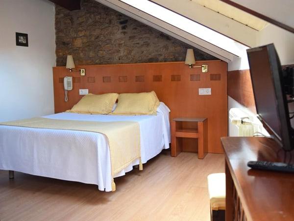 Hotel Entrecercas Santiago