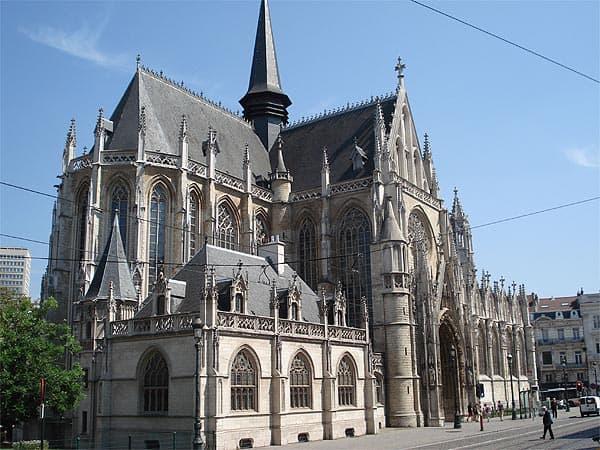 Iglesia Nuestra Señora del Sablón de Bruselas - Que ver en Bruselas en 2 días - Ilutravel.com