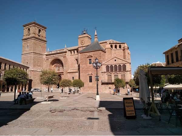 Iglesia de San Andrés de Villanueva de los Infantes - Sitios que ver en un día en Villanueva de los Infantes - Ilutravel.com
