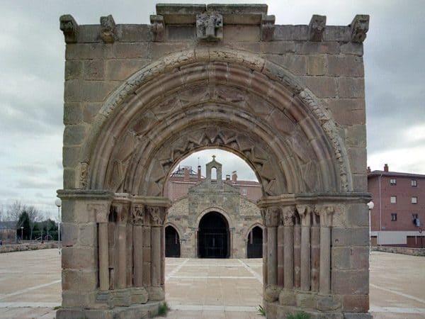 Iglesia de San Andrés de Aguilar de Campoo que ver en un dia - Ilutravel.com
