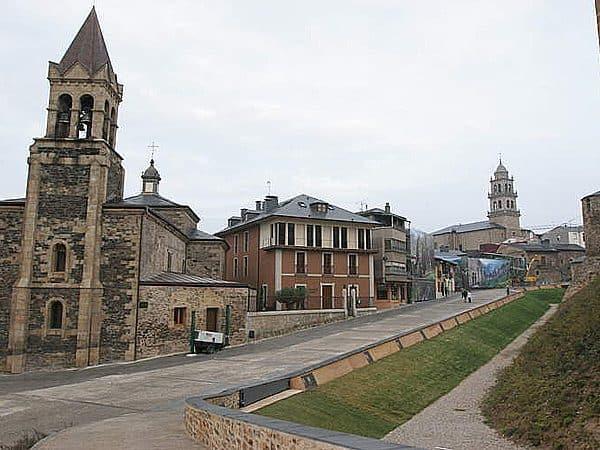 Iglesia de San Andres Ponferrada lugar que ver en un dia