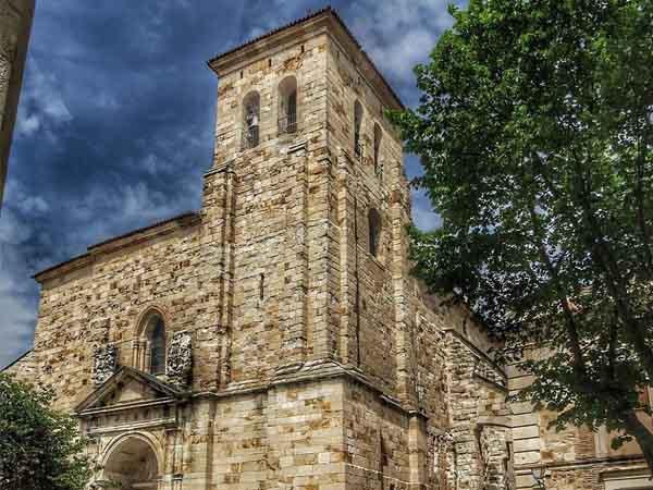 Iglesia de San Pedro y San Ildefonso Zamora - Zamora capital y provincia de viaje - Ilutravel.com