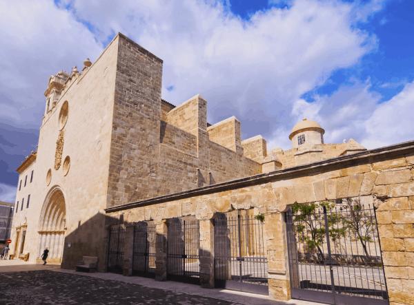 Iglesia de Sant Francesc de Menorca, lugar que visitar en MEnorca - Ilutravel.com
